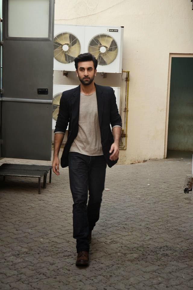 Ranbir Kapoor Promoting Bombay Velvet at Local Radio Channel