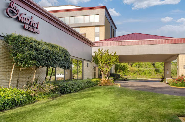 At Ramada by Wyndham Shreveport Airport, our welcoming atmosphere and convenient amenities, such as free WiFi, offer an ideal stay in Shreveport, LA.