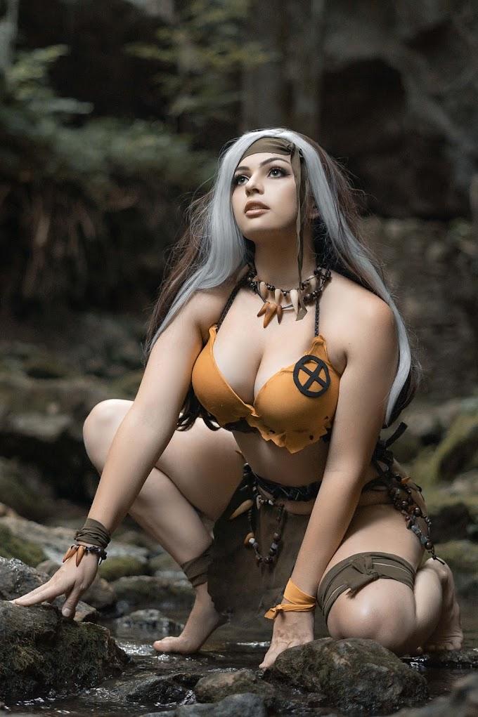 Oki con su cosplay de Pícara en Tierra Salvaje