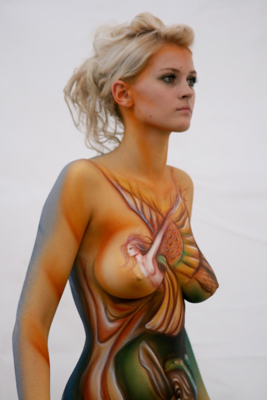 Body painting mom