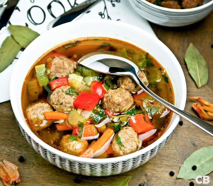 Recept: zo maak je ouderwetse groentesoep met heerlijke gehaktballetjes