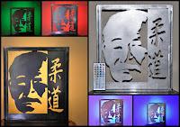 https://www.etsy.com/fr/listing/529608388/lampe-en-metal-equipee-dun-ruban-a-led?ga_search_query=judo&ref=shop_items_search_3