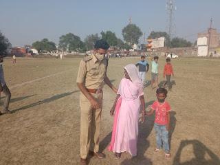मतदान केंद्र केसुर में पुलिस के अनेक रूप देखने को मिले