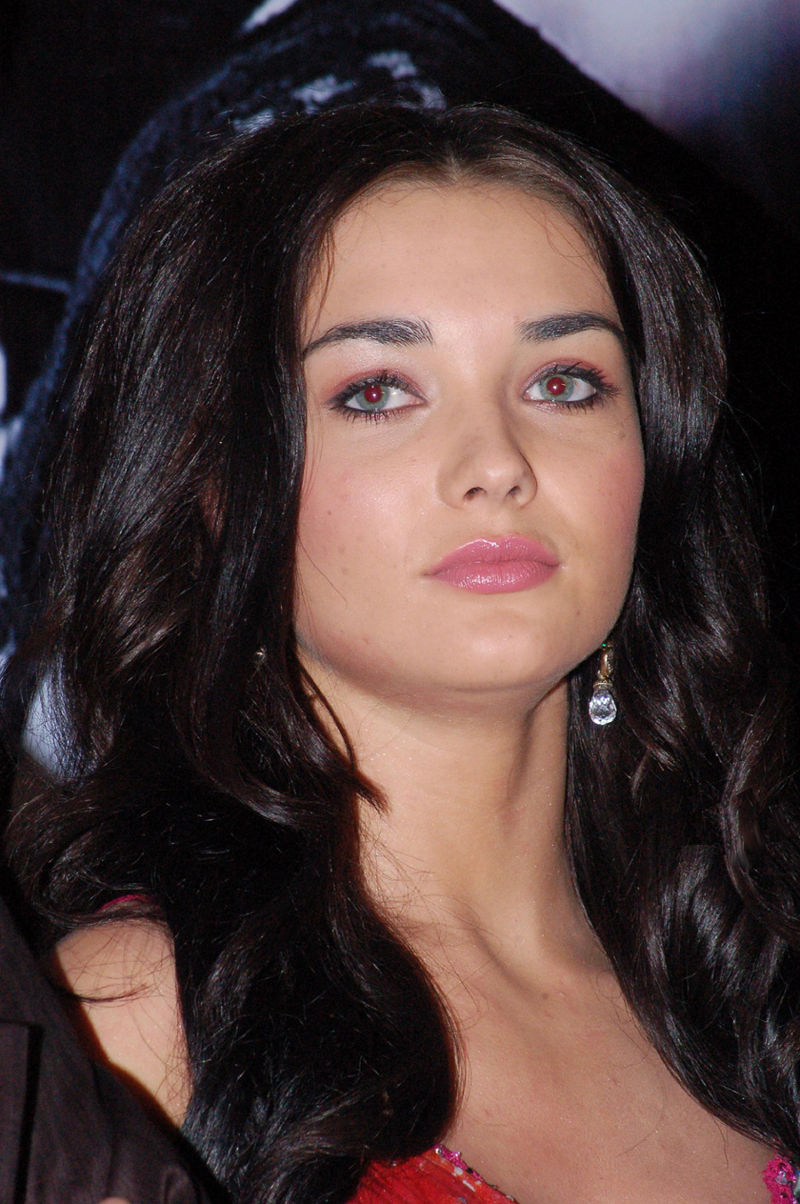 Saturn Girl Wallpapers Only Bollywood Actresses Amy Jackson