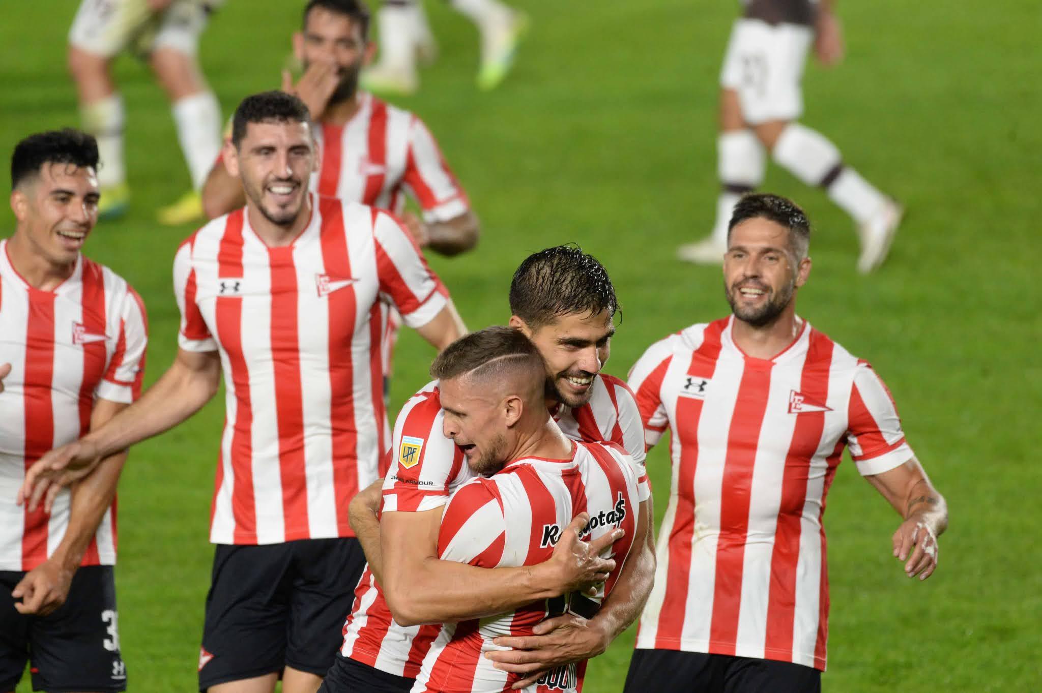 Estudiantes se aseguró la clasificación a cuartos de final tras vencer a Platense