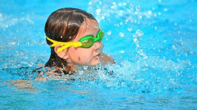 Yuk Baca Apa Saja, 7 Manfaat Berenang untuk Anak