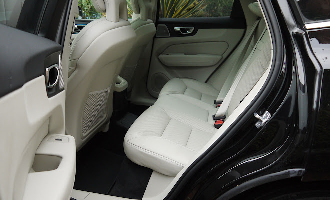 Volvo XC60 T8 rear seating