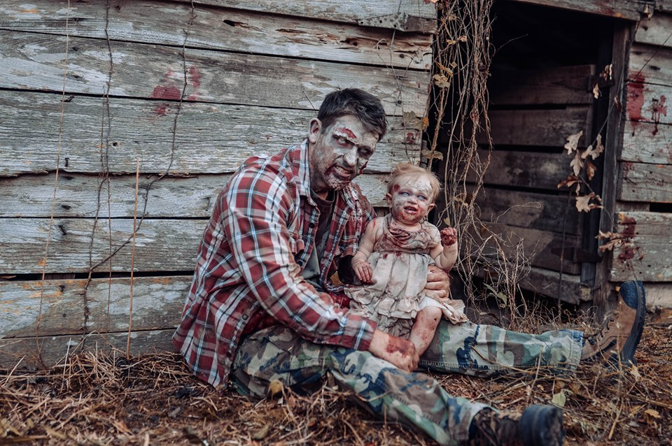 Horror Photoshoot: Mom Turns Her Baby Into A Zombie