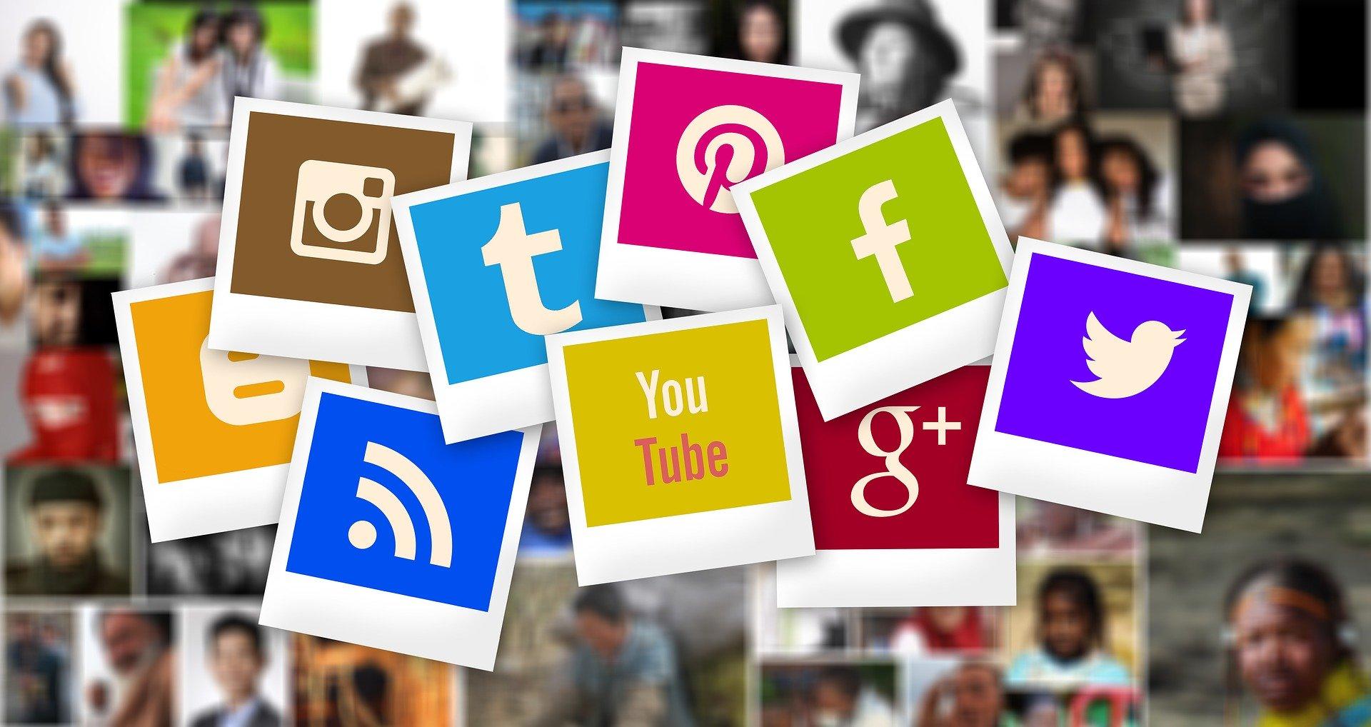Social Media - samblogger01