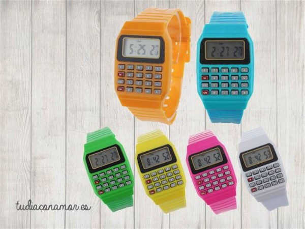 Un detalle moderno y divertido que le encantará a los niños. El recuerdo ideal para sorprender a los más peques con estos relojes de colores.