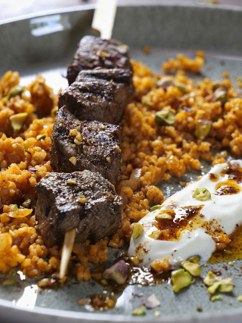 Kebab - Rindfleischspieß mit Bulgursalat