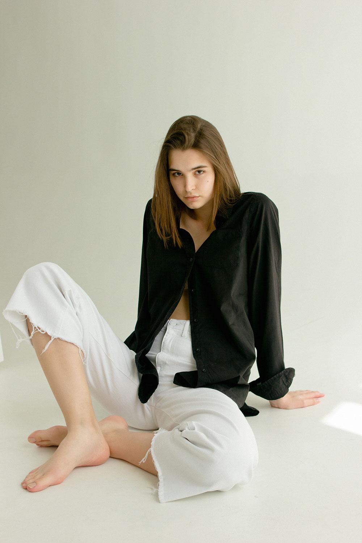 V.G.model management: Diana Slabunova. Test. Photographer