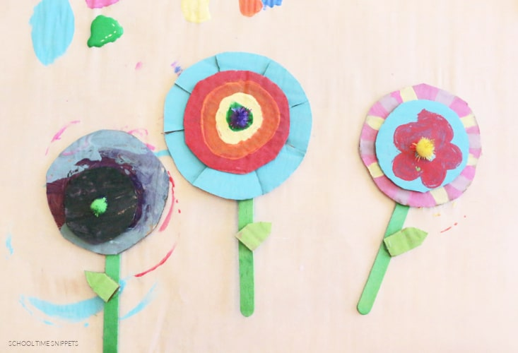 painting flowers art and craft using cardboard