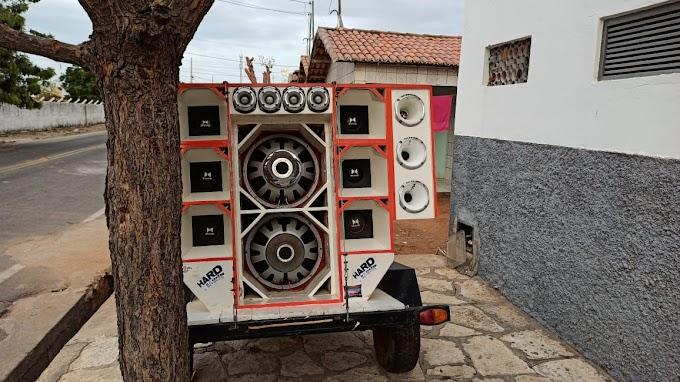 Policia Militar apreende paredão de som em Grossos