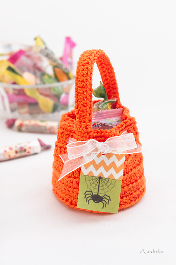 Halloween Crochet candy bags, free pattern by Anabelia Craft Design