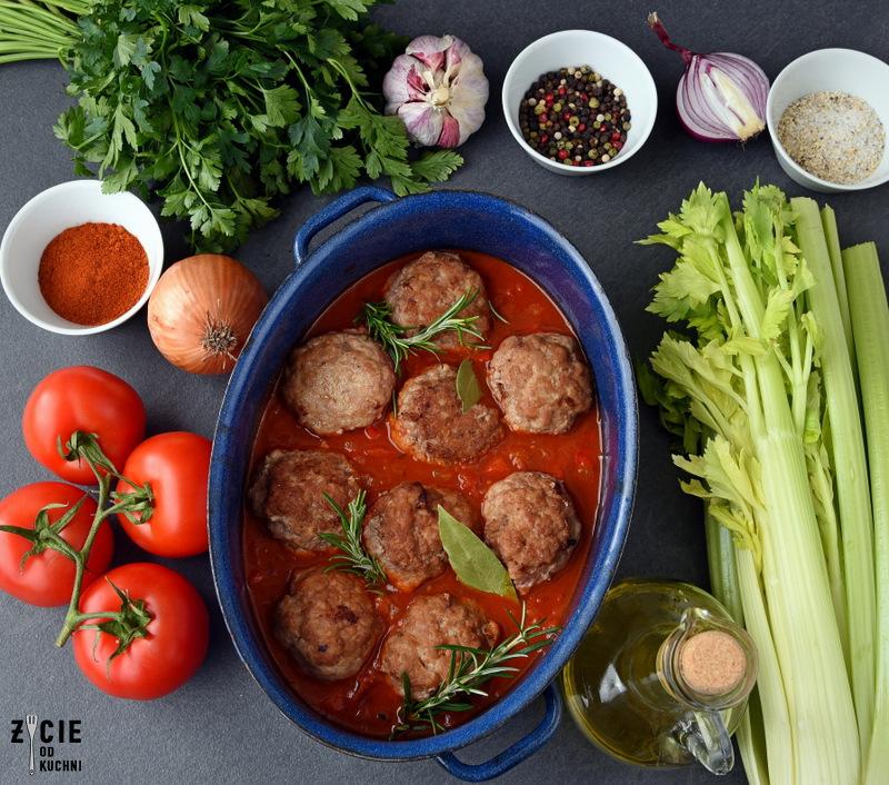 mieso mielone, dania z mielonego miesa, pulpety, pulpety w sosie, pulpety w sosie pomidorowym, klopsiki w sosie, klopsiki w sosie jarzynowym, klopsiki w sosie pomidorowym, klopsiki, pulpety w sosie z piekarnika