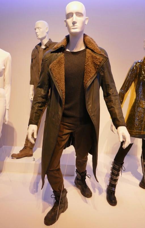 Ryan Gosling Blade Runner 2049 K film costume