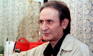 Σωτήρης Μουστάκας: Η ιστορία του μεγάλου κωμικού, που πέθανε σαν σήμερα
