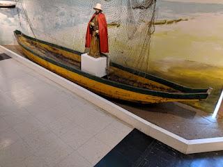 Ecuadorian cholo pescador plank canoe