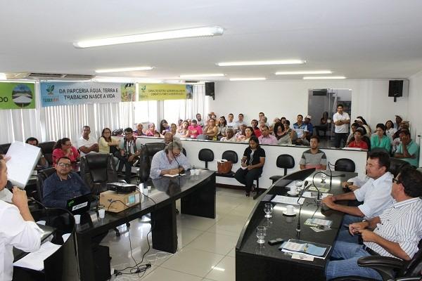 Em Delmiro Gouveia, enfrentamento à seca é tema de audiência pública na Câmara de Vereadores