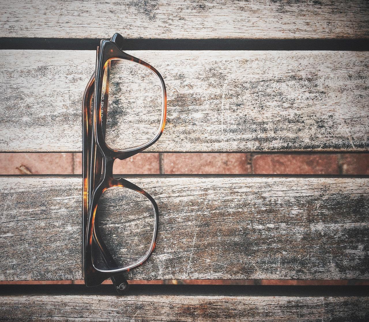 Czym czyścić okulary?