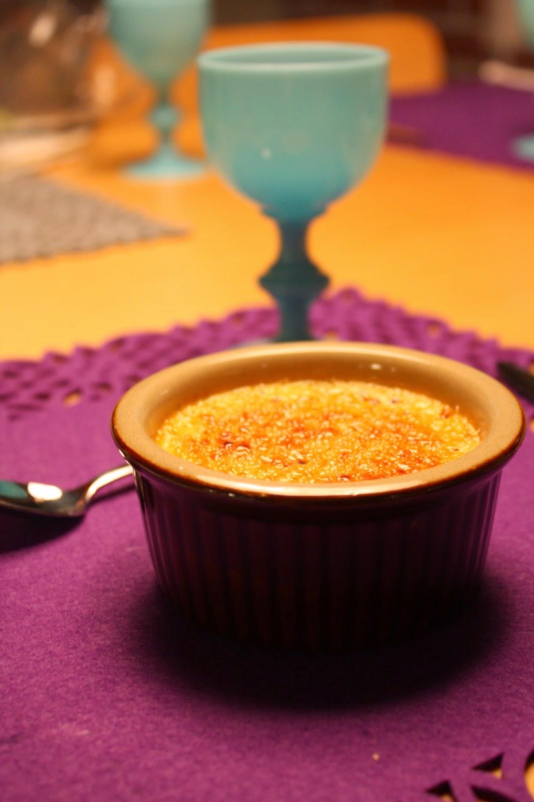 creme brulee ranska ranskalainen jälkiruoka poltettu kerma ranska laventeli