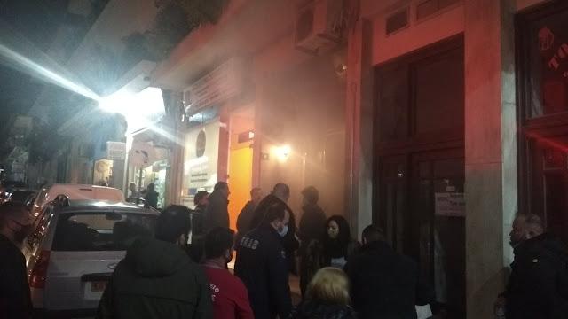 ΤΩΡΑ: Φωτιά σε οικία στο κέντρο της Ηγουμενίτσας (ΦΩΤΟ+ΒΙΝΤΕΟ)