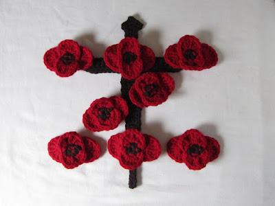 free crochet pattern, poppy flower, Remembrance Poppies, #LestWeForget