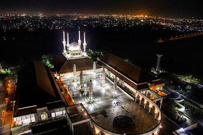 foto masjid agung semarang saat malam hari