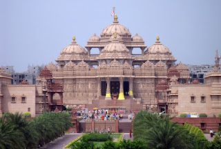 "Know About The Largest Hindu Temple ""Akshardham"" Also The Fourth Largest In The World"