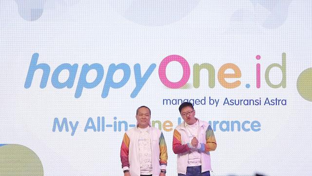 Produk asuransi berbasis digital terbaru Asuransi Astra, Happyone.id resmi diluncurkan oleh   Direktur Astra International, Suparno Djasmin (kiri) bersama CEO Asuransi Astra, Rudy Chen (kanan)