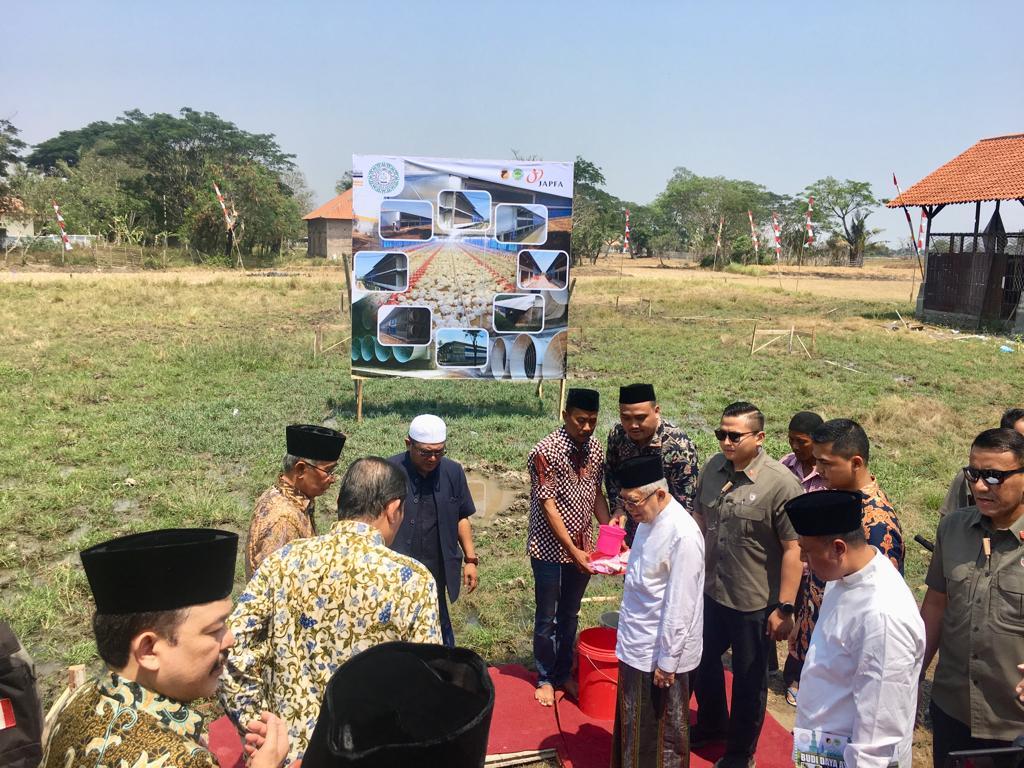 Wujudkan Kemandirian, PT. JAPFA Bangun Closed House Farm  Broiler Di Pesantren An Nawawi Tanara