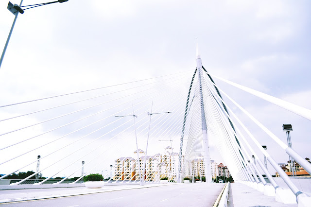 Federal administrative centre of malaysia, city in malaysia, kota di malaysia, kota pemerintahan di malaysia, jembatan seri wawasan