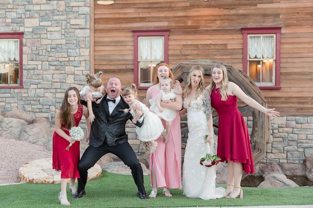 Shenandoah Mill Wedding family photo in Gilbert AZ