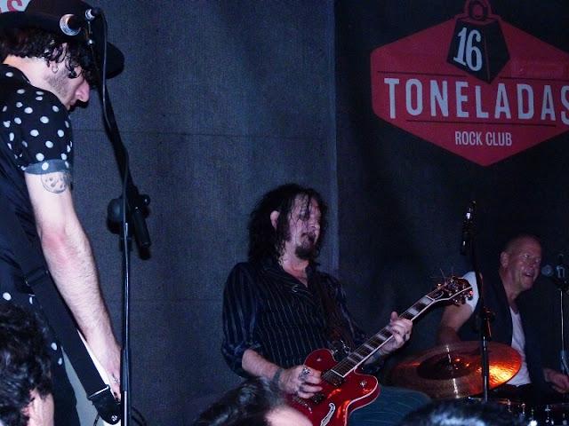Tyla Dogs D'Amour (crónica concierto 14-9-2017, Sala 16 Toneladas, Valencia)