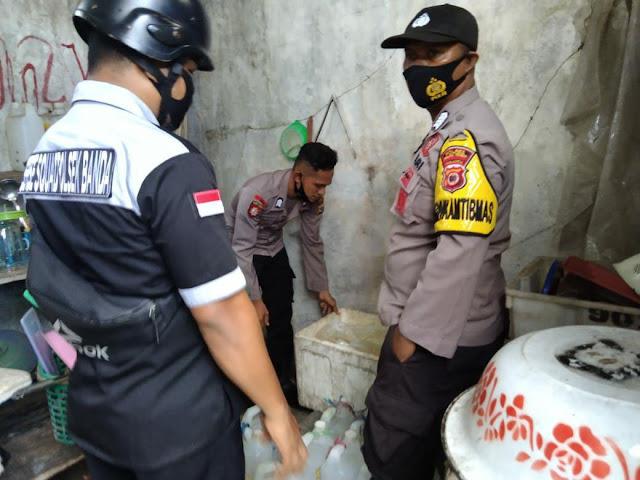 Polisi Amankan 250 Liter Miras di Banda Naira