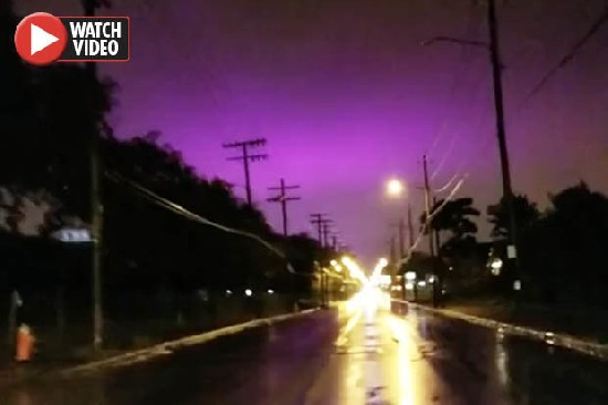 """""""Что-то происходит в небесах"""": странное фиолетовое небо в Огайо ошеломляет зрителей"""