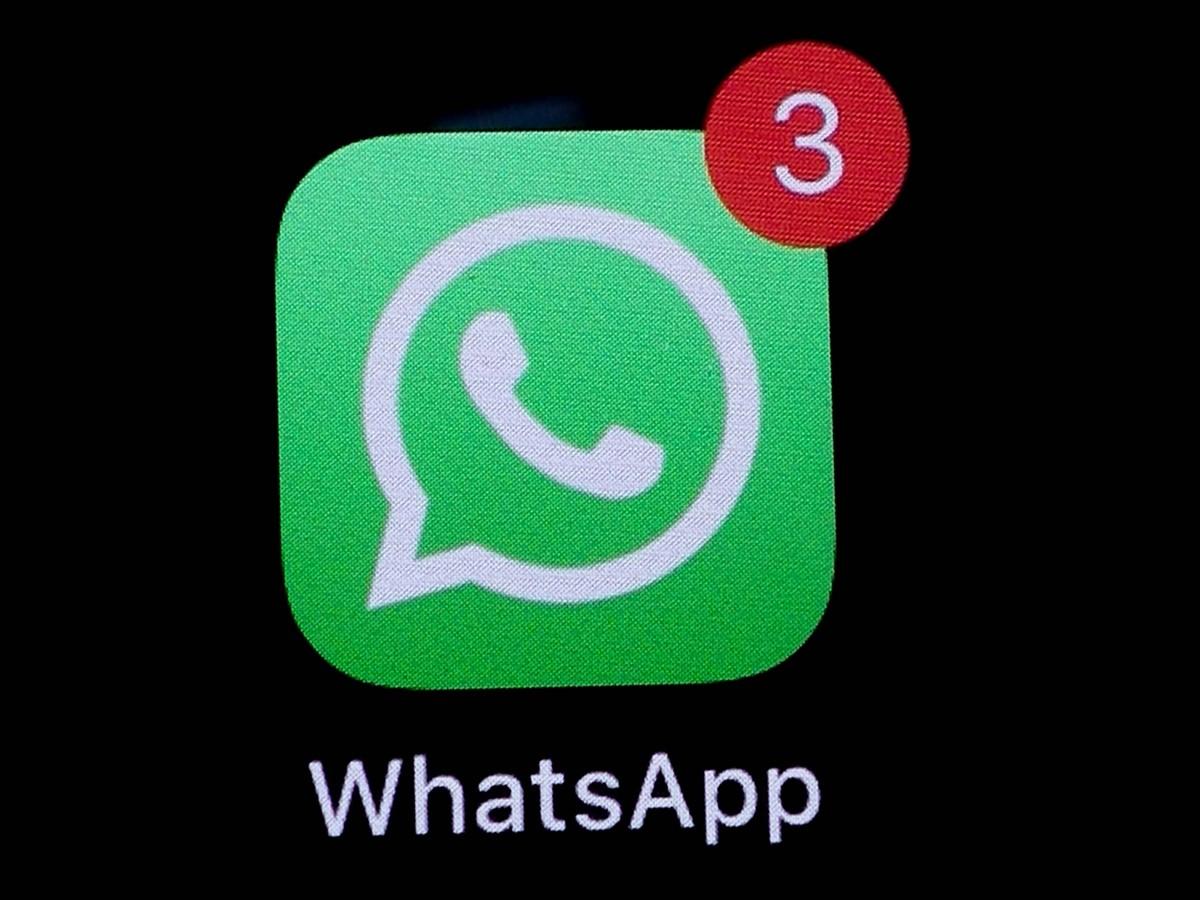 يعمل WhatsApp على القدرة على الرد على الرسائل باستخدام الرموز التعبيرية