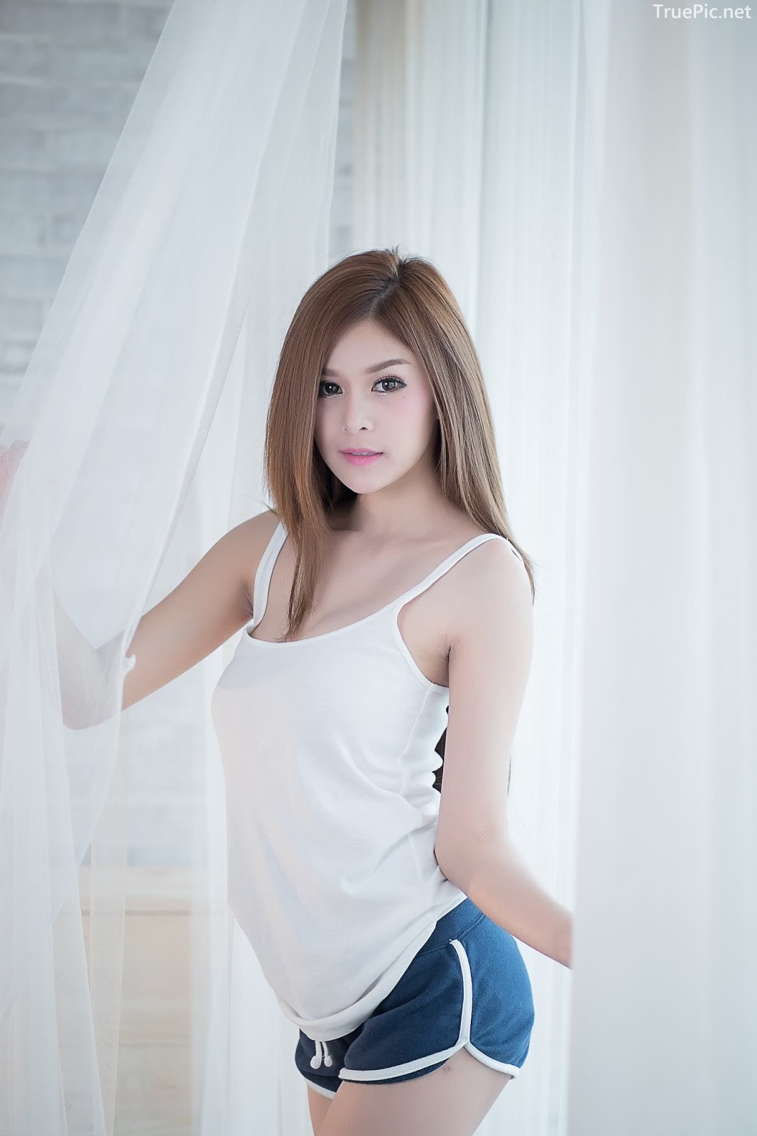 Thailand model Kanyakarn Kaewnisai - Getting up early welcome the Sun - Picture 2