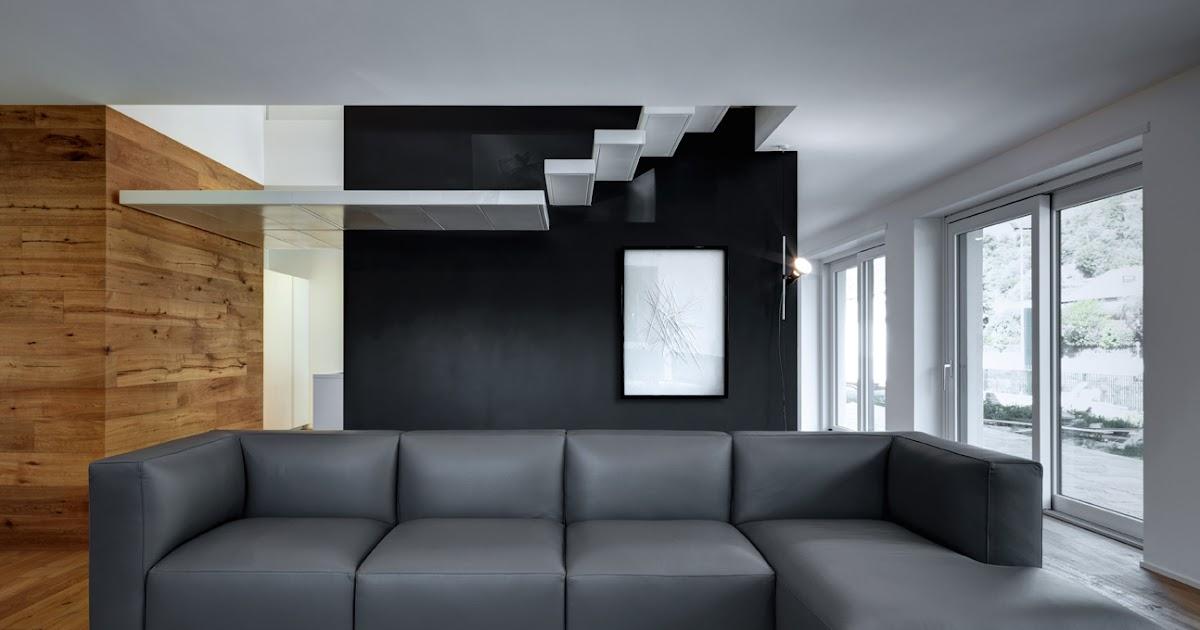 Interno I - escada como elemento formal destacado