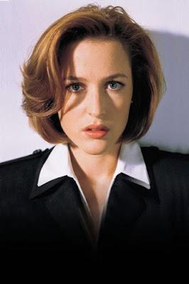 قصة حياة جيليان اندرسون (Gillian Anderson)، ممثلة أمريكية، من مواليد 1968