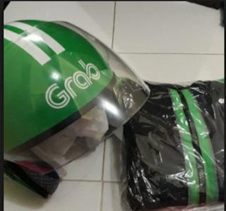 Atribut Jaket dan Helm Grab : Biaya, Cicilan, pengambilan