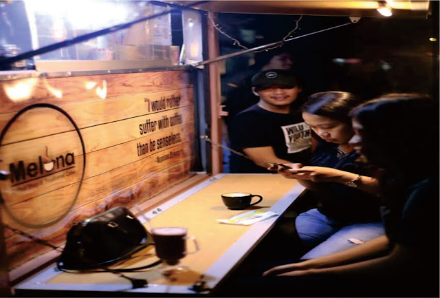 Gerobak 'Melona Coffee', Tongkrongan Asyik Seruput Kopi Sapan