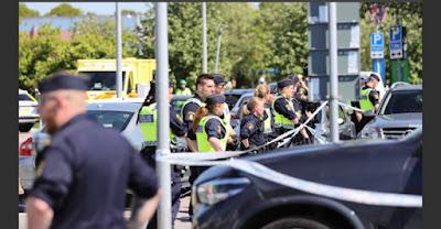 شاب يهدد شرطي: هذه منطقتنا…توقفوا وإلاّ…