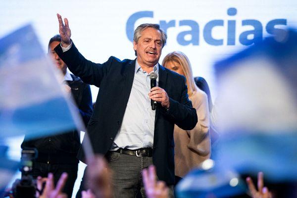Alberto Fernández descarta default o reestructuración de deuda argentina