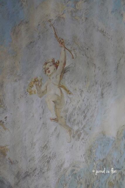 inger cu coronita de flori Bucuresti pictura pe perete