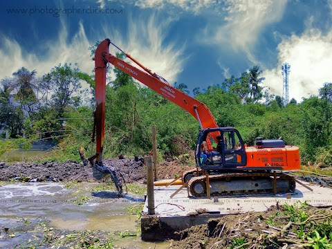 Jcb Machine Is Digging In Small River at Kazipara Barasat
