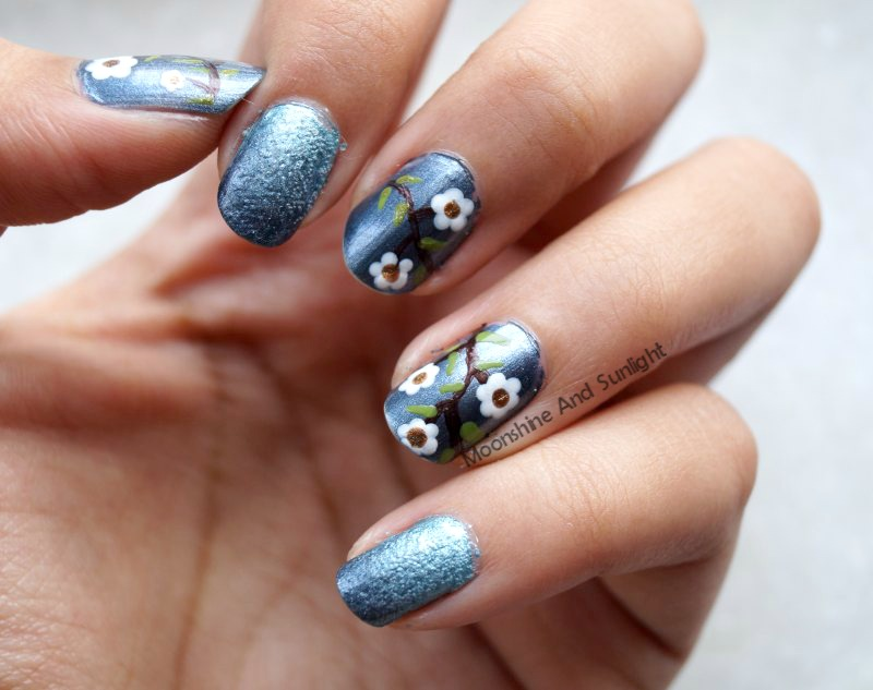 Flowers on metal nail art