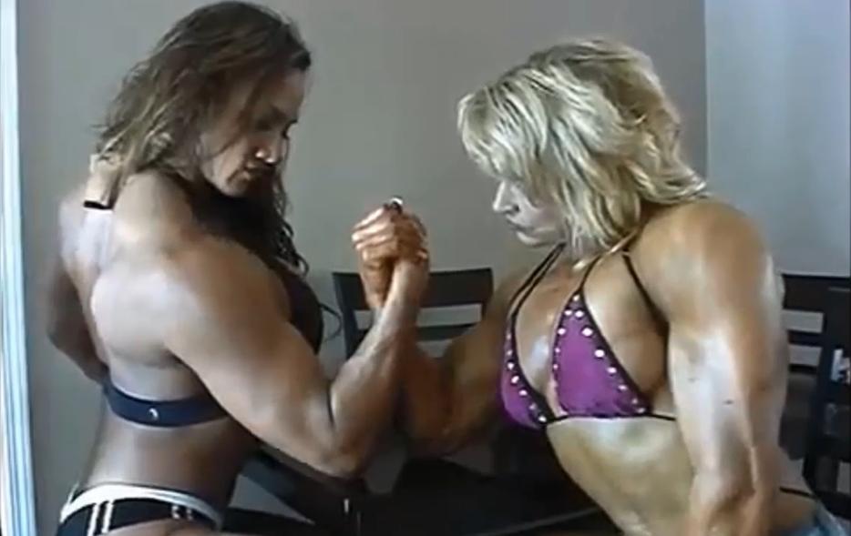 Video Women arm-wrestlers feats of strength