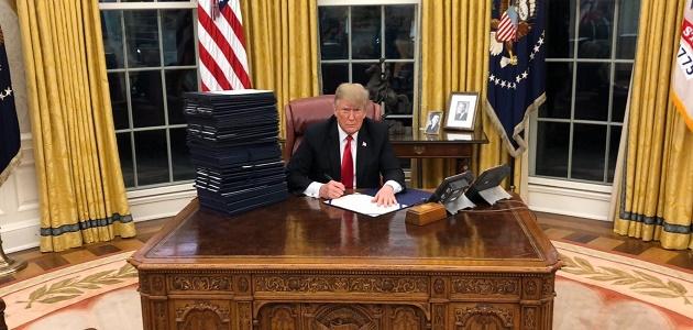 Σε κατάσταση έκτακτης ανάγκης κήρυξε τις ΗΠΑ ο Τραμπ